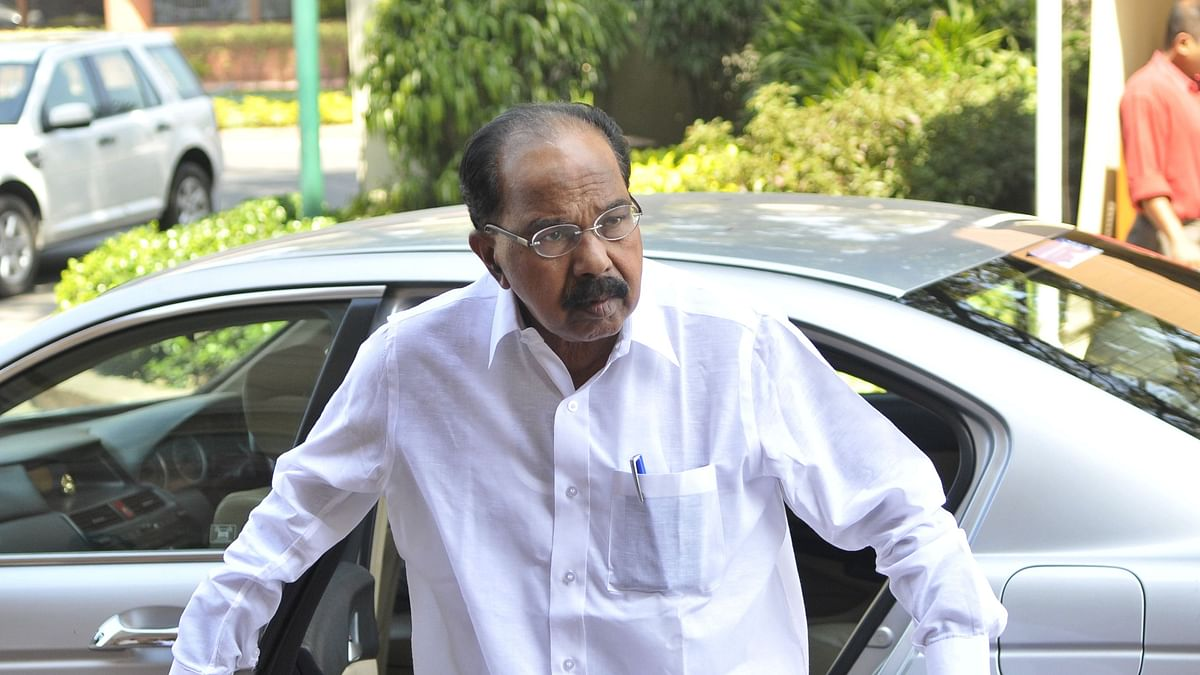 लोकपाल लागू हुआ तो प्रधानमंत्री पहले आरोपी होंगे, आज बच सकते हैं, लेकिन कल नहीं बचेंगे: वीरप्पा मोइली