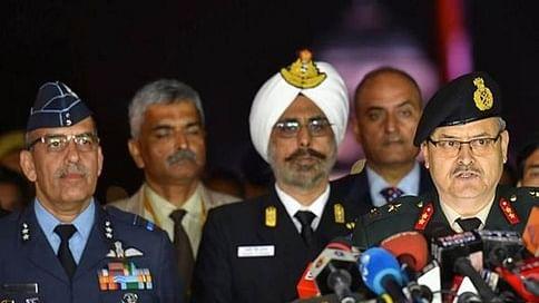 भारत की तीनों सेनाओं ने पाकिस्तान को किया बेनकाब, कहा- सैन्य ठिकानों को पाक ने बनाया था निशाना, किया गया नाकाम
