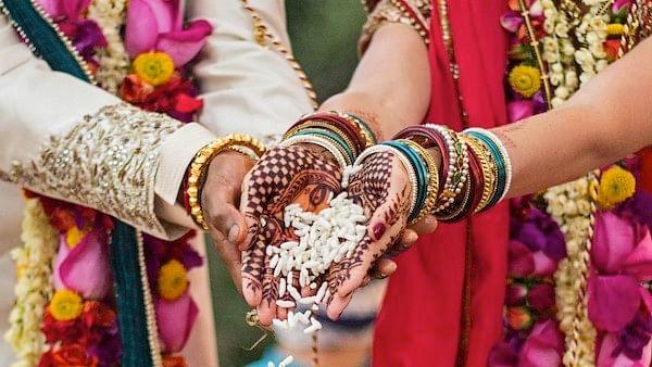 चुनावी सीजन में की शादी तो भरना पड़ेगा भारी जुर्माना, जानिए क्या है नियम