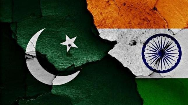 आकार पटेल का लेख: पाकिस्तान पर जरूरत से ज्यादा फोकस से लगता है हमारी महानता को बट्टा