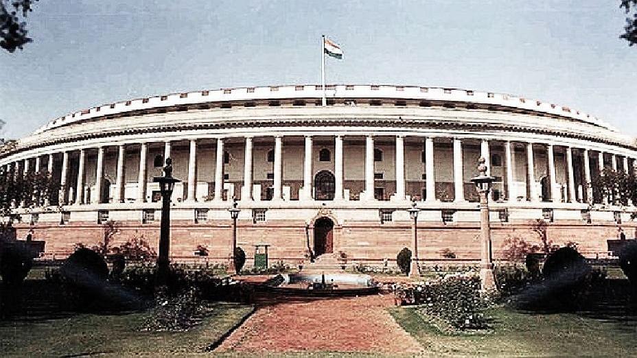 लोकतंत्र के पन्ने: 1952 में हुआ था पहला आम चुनाव, मैदान में थे 53 दल, जनसंघ को मिली थी सिर्फ इतनी सीटें