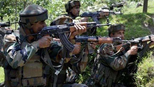 जम्मू-कश्मीर: शोपियां में सुरक्षाबलों और आतंकियों के बीच मुठभेड़, 3 आतंकी ढेर,  कुपवाड़ा  में एनकाउंटर जारी