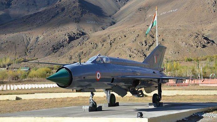 एक और मिग-21 विमान क्रैश, जानिए क्यों कहा जाता है इसे उड़ता ताबूत