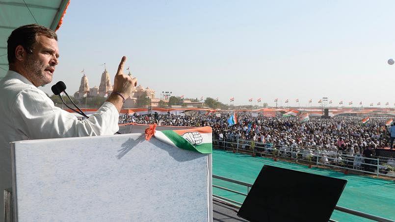 पीएम मोदी के घर में राहुल की हुंकार, कहा- चौकीदार बनकर आए और करने लगे भ्रष्टाचार