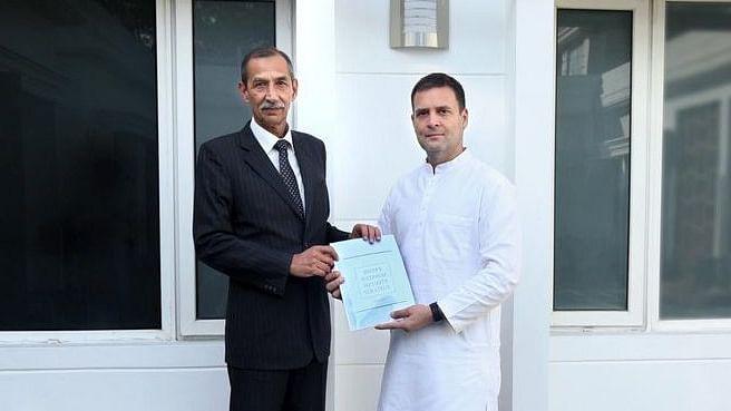 'सर्जिकल स्ट्राइक' के 'हीरो' रहे जनरल हु़ड्डा ने राष्ट्रीय सुरक्षा पर राहुल गांधी को सौंपी रिपोर्ट