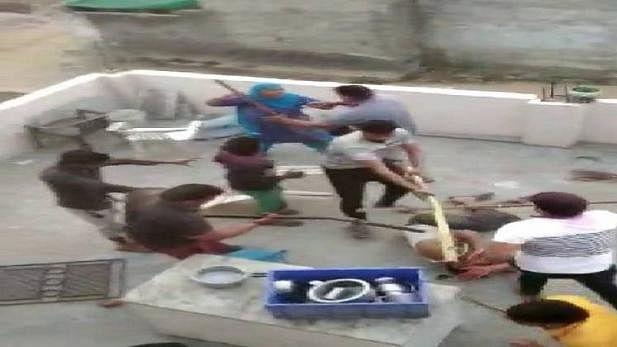मनोहर सरकार में  दबंगों ने खेला 'खूनी खेल', मुस्लिम परिवार को बेरहमी से पीटा, वायरल वीडियो में चीख पुकार कैद