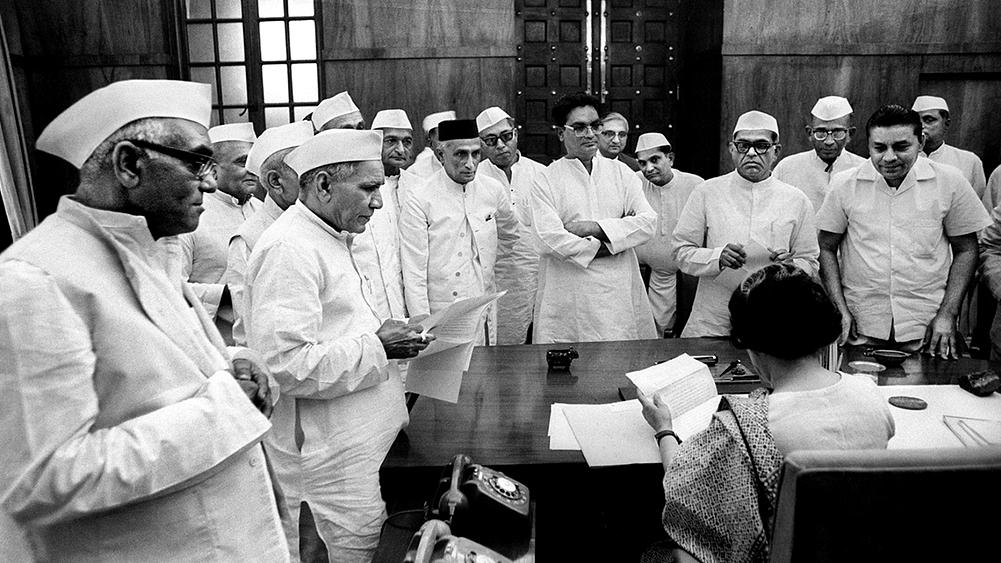 लोकतंत्र के पन्ने: 1967 का चौथा लोकसभा चुनाव कई मायनों में था अलग, नई पार्टियों का उदय वाला था दौर