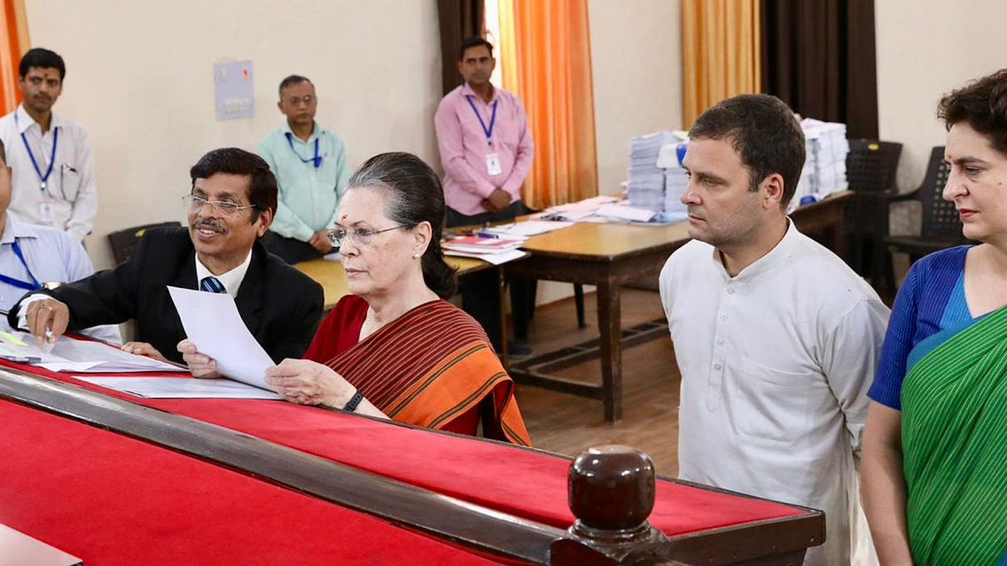 रायबरेली: सोनिया गांधी ने भरा पर्चा, कहा- अजेय नहीं हैं मोदी, न भूलें कि 2004 में वाजपेयी को हमने हरा दिया था
