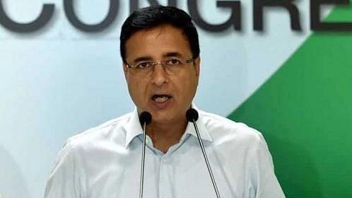 पीएम मोदी के हिंदू कार्ड पर कांग्रेस का पलटवार- 'देश में नफरत के कांटे बो रहे हैं पीएम, चुनाव आयोग ले संज्ञान'