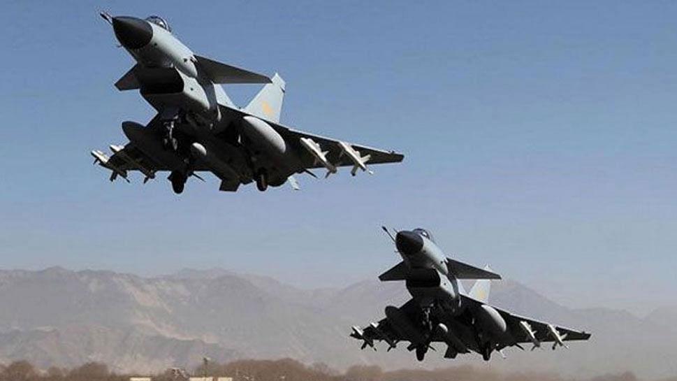 खतरे की घंटी, पाकिस्तान अपने पायलटों को राफेल उड़ाने की दे रहा ट्रेनिंग!