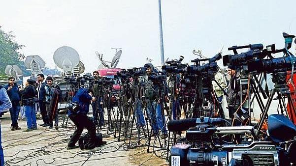 चुनावों में मीडिया रिपोर्टिंग पर उठे सवाल, आखिर जनता के मुद्दों पर कब बात करेगा चौथा खंभा!