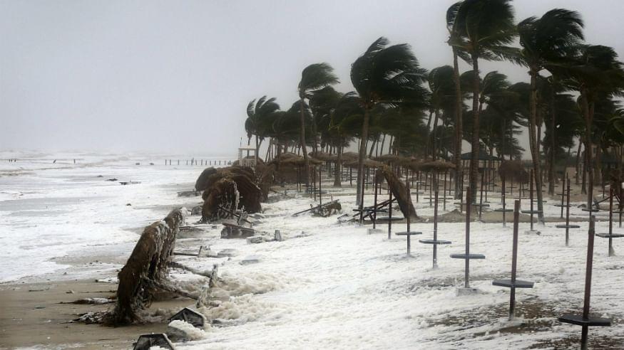 कुछ घंटों में और भी खतरनाक हो सकता है चक्रावाती तूफान 'फानी', कई इलाकों में अलर्ट जारी