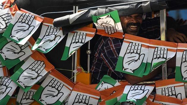केरल: ईवीएम में गड़बड़ी की शिकायतों के बीच उत्साह के साथ किया लोगों ने मतदान, वायनाड में बंपर वोटिंग