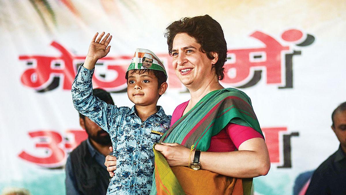 प्रियंका गांधी ने इलाहाबाद में ट्यूमर पीड़ित बच्ची को इलाज के लिए चार्टर विमान से दिल्ली भेजा