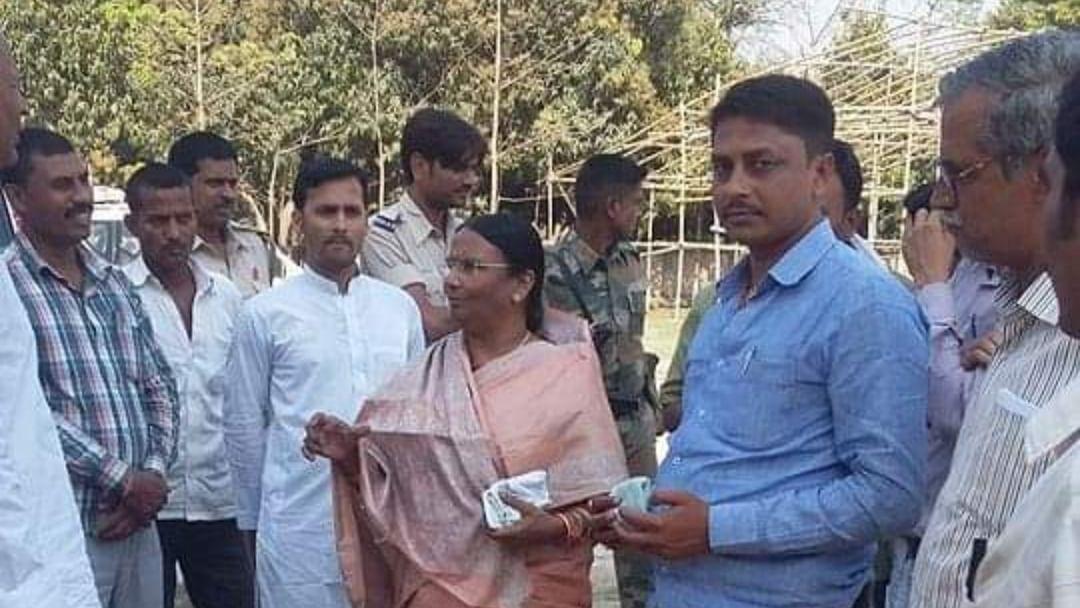 बिहार:  बीजेपी की उम्मीदवार रमा देवी के ठिकाने पर छापेमारी, कई लाख कैश बरामद