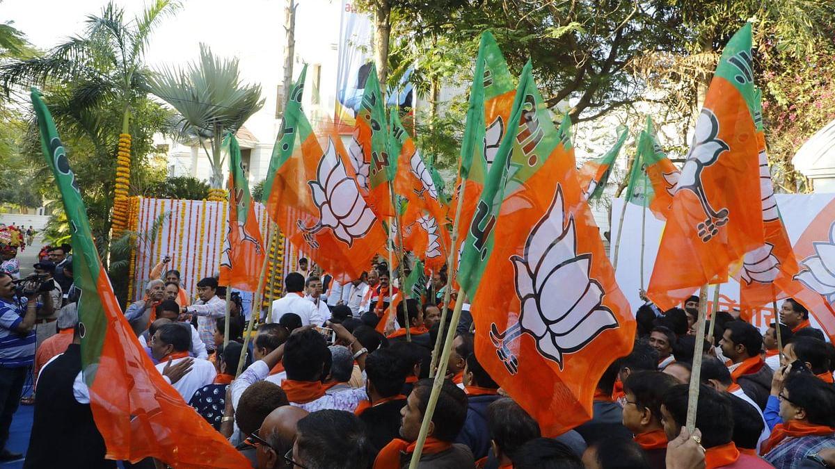 बीजेपी के असली चाल, चरित्र और चेहरे को चरितार्थ कर रहे  बीजेपी के ये नेता, इनके लिए गांधी नहीं गोडसे हैं आदर्श?