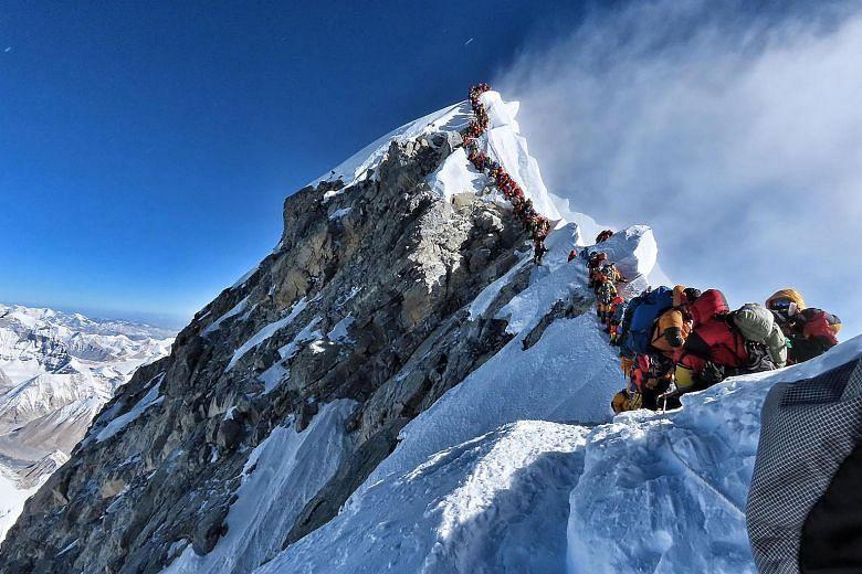 माउंट एवरेस्ट पर लगा 'ट्रैफिक जाम', मरने वालों की संख्या बढ़कर 11 हुई, भारतीय पर्वतारोही भी शामिल
