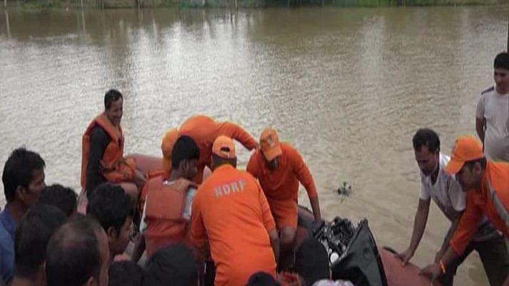 त्रिपुरा में आंधी-बारिश से भारी तबाही, बाढ़ से हजारों लोग हुए बेघर, बड़े स्तर पर राहत-बचाव का काम जारी
