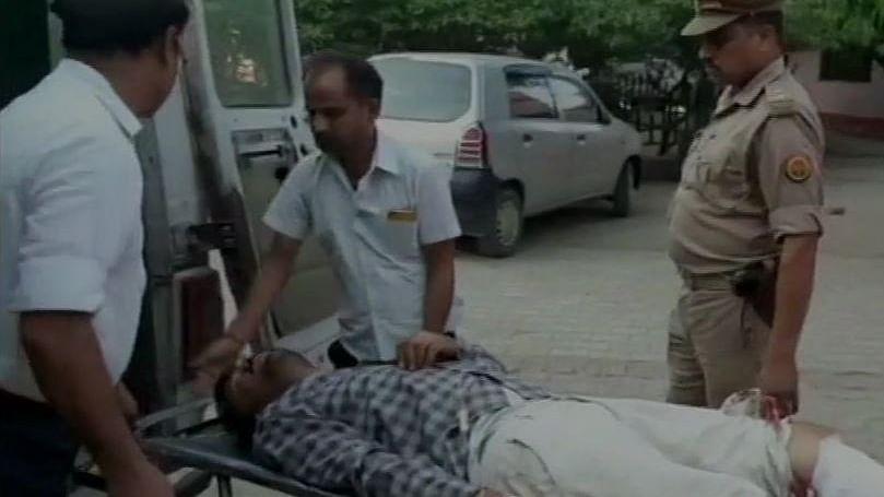 यूपी: बाराबंकी में जहरीली शराब से मौत मामले का मुख्य आरोपी पुलिस मुठभेड़ में गिफ्तार, अब तक 14 लोगों की मौत