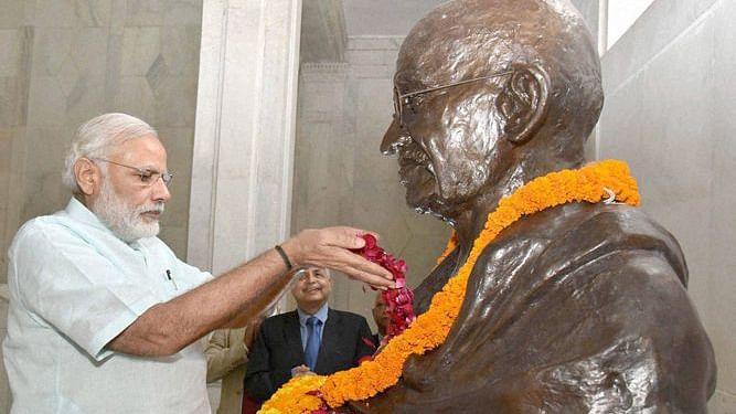 राम पुनियानी का लेखः गोडसे से सहानुभूति रखने वाली बीजेपी के लिए गांधी का सम्मान चुनावी मजबूरी