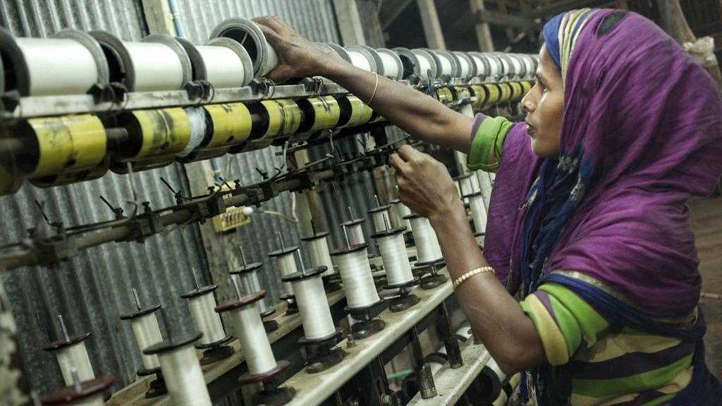 कांग्रेस: मोदी-जेटली की जोड़ी ने अर्थव्यवस्था का कर दिया बंटाधारा, न नौकरी न रोजगार, देश पर मंदी के आसार