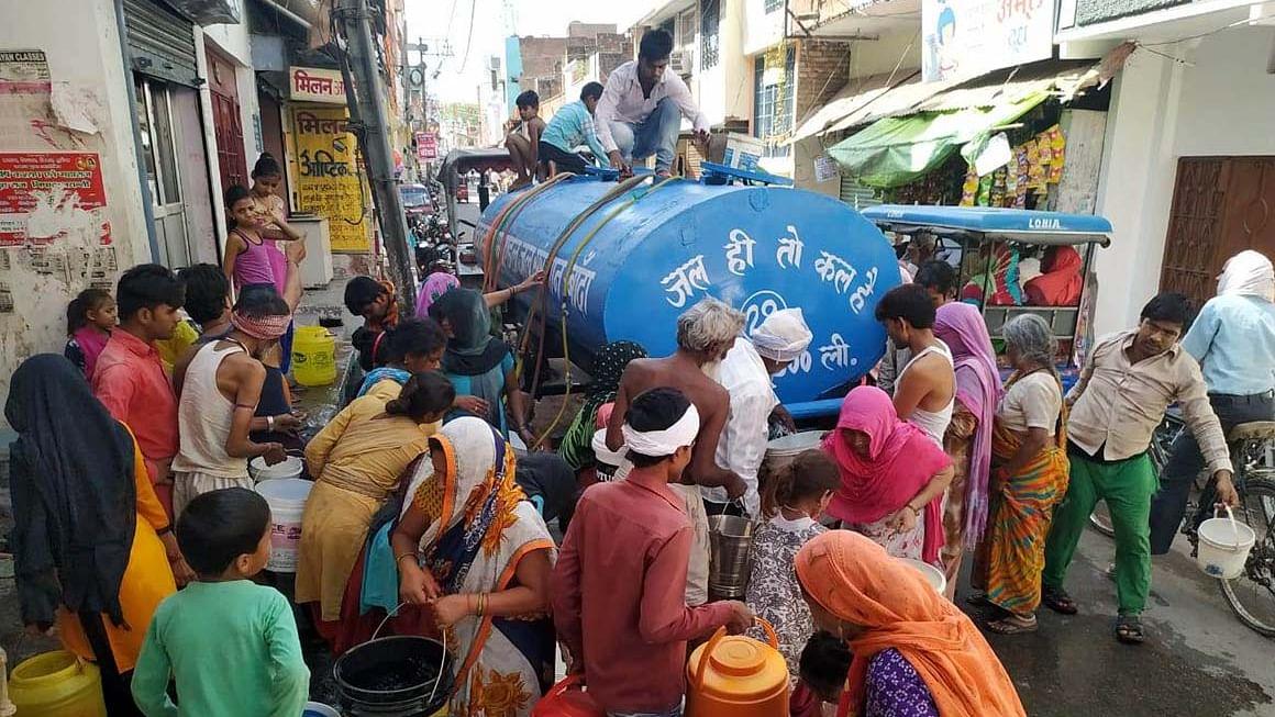 योगी सरकार में किसान बेहाल, बांदा में पेयजल संकट को लेकर पांच दिनों से अनशन पर, नहीं हो रही सुनवाई