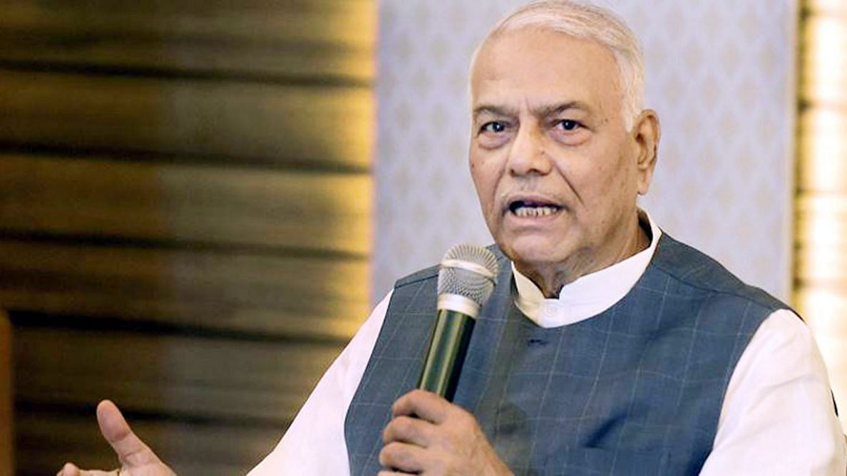 मजबूत नहीं मजबूर नेता हैं राजनाथ, लखनऊ से जीतने के काबिल नहीं : यशवंत सिन्हा