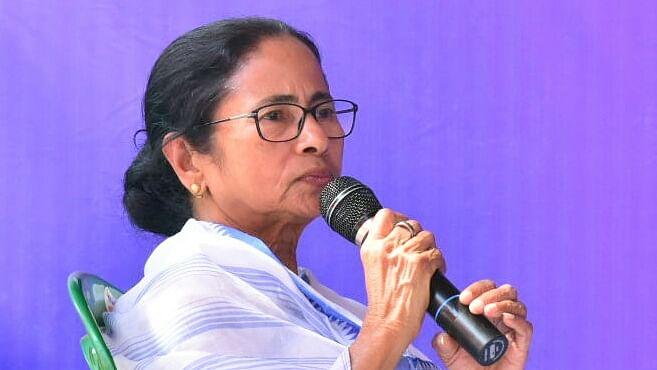 लोकसभा चुनाव 2019 LIVE: एक्जिट पोल ईवीएम से छेड़छाड़ या उन्हें बदलने का गेम प्लान है: ममता बनर्जी