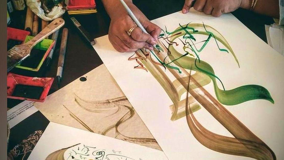मृणाल पांडे का लेखः उर्दू-हिंदी के धर्म तय करने की  कोशिश का हश्र कहीं दो सिर वाले पक्षी जैसा न हो