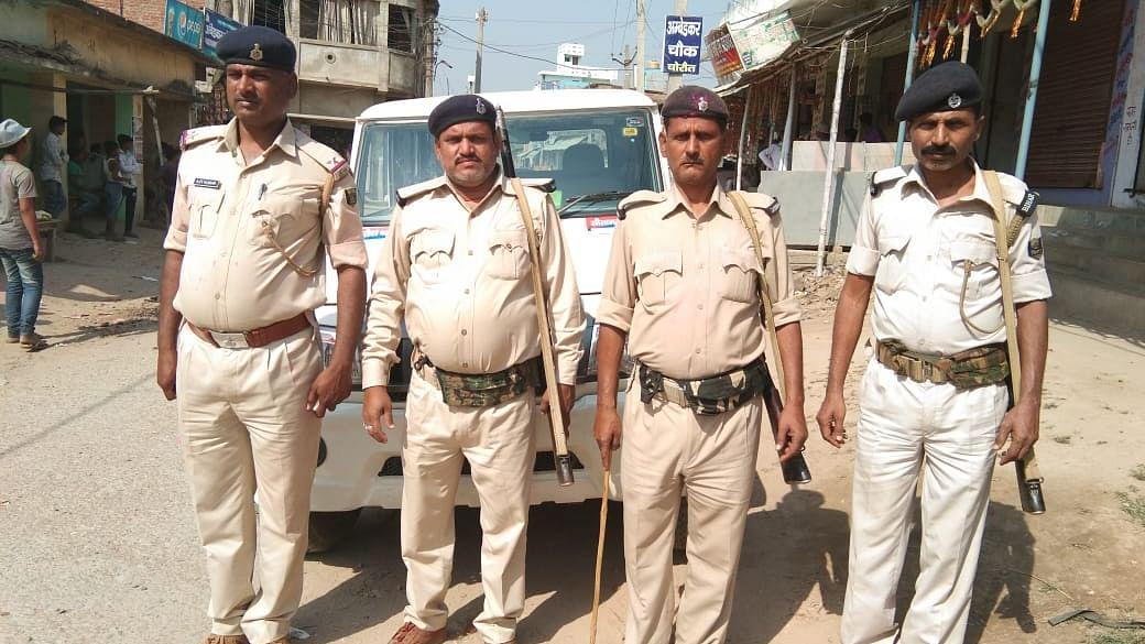 नीतीश के राज में बिहार पुलिस हुई बेकार,  बैंक के कैशवैन से 50 लाख रुपए लुटकर अपराधी फरार