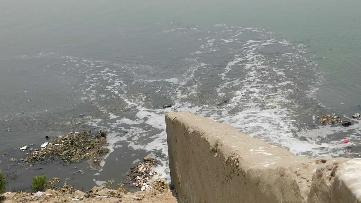 वाराणसी को अपना नाम देने वाली अस्सी नदी का अस्तित्व मिटा, सरकारी फाइल में बना दिया नाला