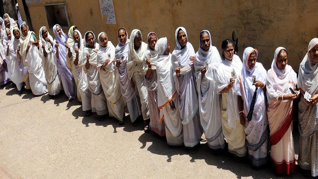 अंतरराष्ट्रीय विधवा दिवसः आखिर कब तक छोड़ी जाती रहेंगी विधवाएं मोक्ष के लिए