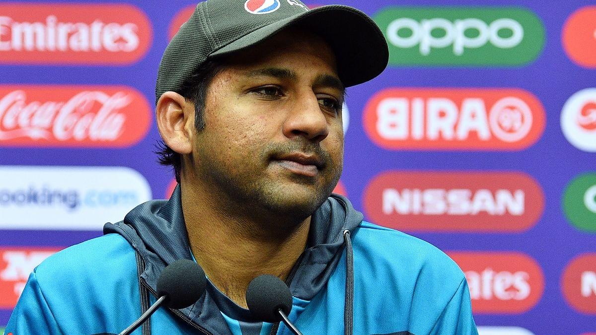 साथी खिलड़ियों की साजिश के शिकार पाक कप्तान को मिला पीसीबी का साथ, विदेशी क्रिकेट लीग में खेलते नजर आएंगे युवराज?