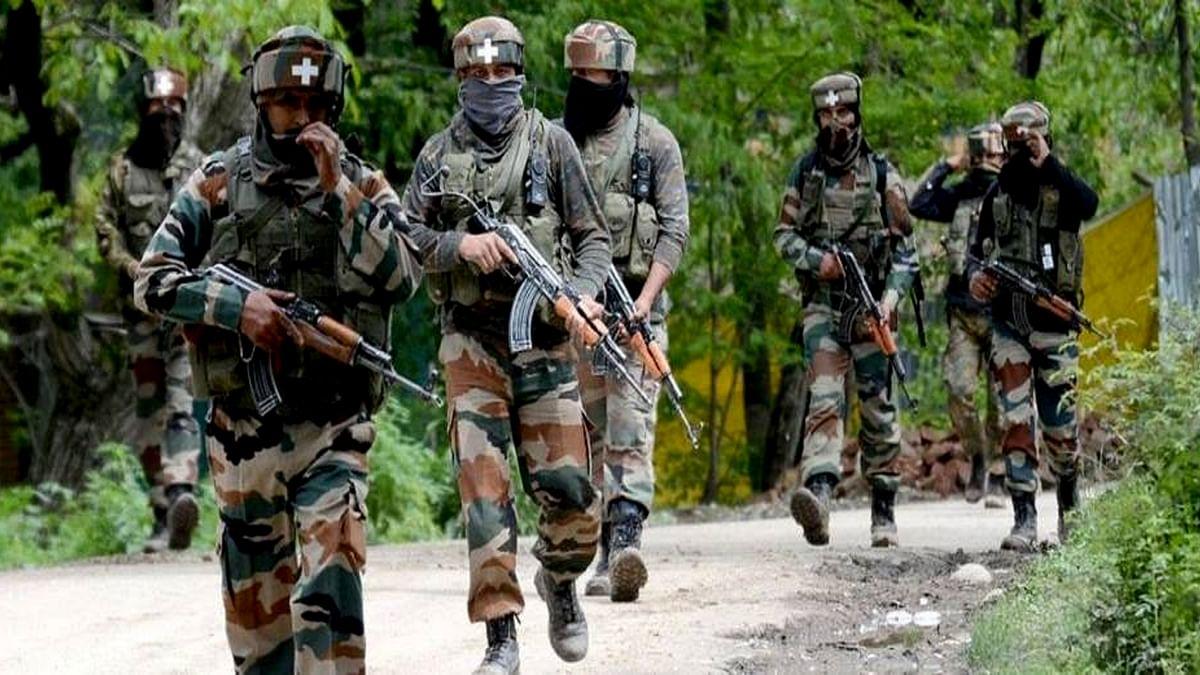 नवजीवन बुलेटिन: जम्मू-कश्मीर के शोपियां में सुरक्षा बलों से मुठभेड़ में दो आतंकी ढेर, इस समय की 4 बड़ी खबरें