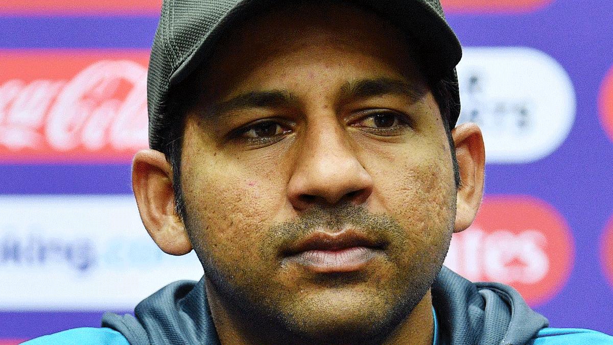 पाक क्रिकेट टीम में फूट! सरफराज,बोले- साथी खिलाड़ी रच रहे कप्तानी से हटाने की साजिश, इमाद बनना चाहते हैं कप्तान