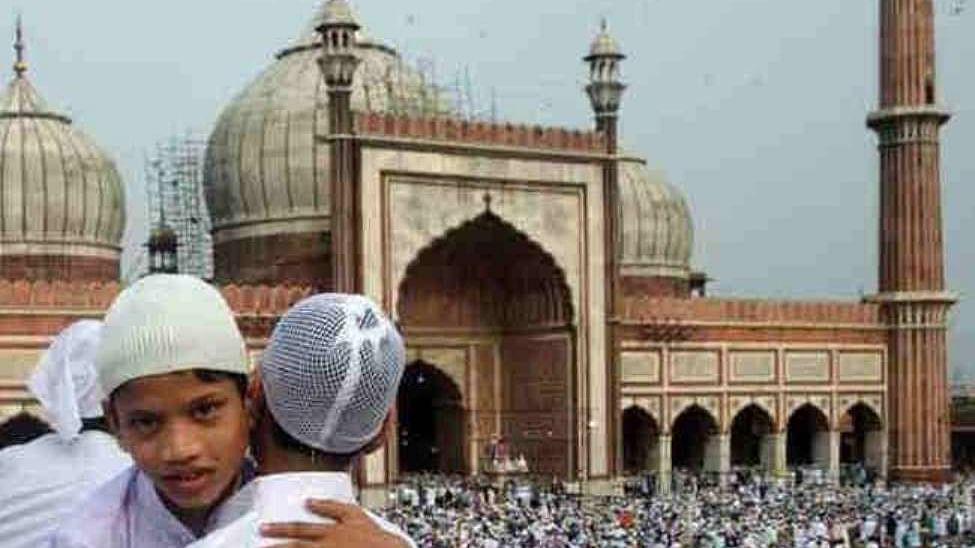 आज देश भर में ईद का जश्न, जानिए कब, कैसे और क्यों हुई ईद मनाने की शुरूआत
