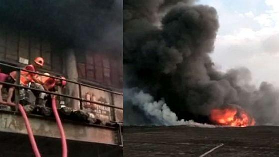 कोलकाता में केमिकल गोदाम में भीषण आग, दमकल की 25 गाड़ियां मौक पर, आग पर काबू पाने की कोशिश जारी