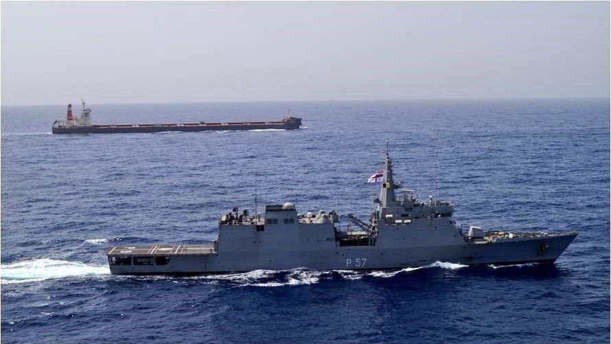 अमेरिका-ईरान में युद्ध जैसे हालात,  ओमान की खाड़ी में भारत ने तैनात किए दो युद्धपोत