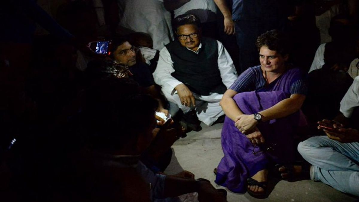 नवजीवन बुलेटिन: प्रियंका गांधी बोलीं-सोनभद्र नहीं तो कहीं और, लेकिन पीड़ितों से मिले बिना नहीं जाऊंगी, 4 बड़ी खबरें