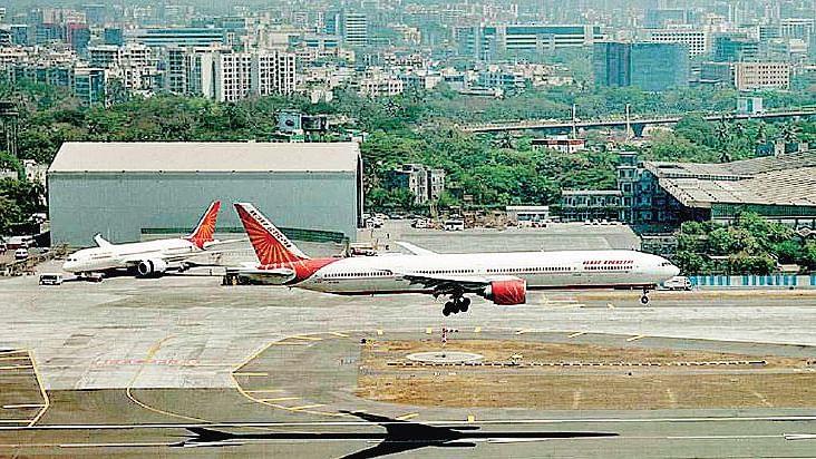 मुनाफा कमा रहे तीन एयरपोर्ट अडानी को देकर आखिर मोदी सरकार ने कर दी अपनी नीयत साफ