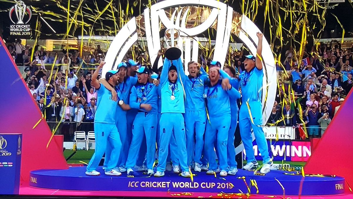 सांसें रोक देने वाले वर्ल्ड कप फाइनल में  इंग्लैंड बना  विश्व चैंपियन, सुपर ओवर में भी टाई होने पर ज्यादा बाउंड्री के आधार पर जीता इंग्लैंड
