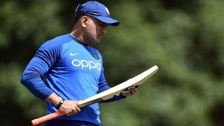 वीडियो: धोनी के रिटायरमेंट की चर्चा के बीच उनके बारे में क्या कहते हैं टीम इंडिया और दूसरी टीमों के खिलाड़ी