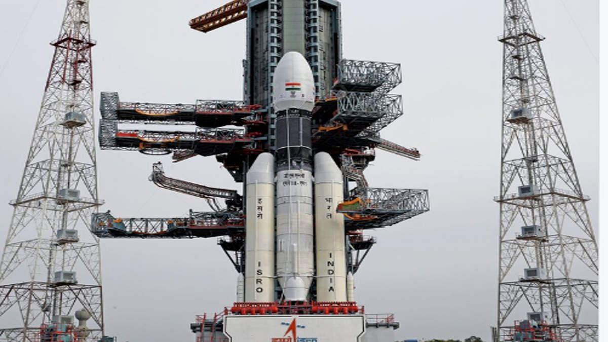 नवजीवन बुलेटिन: चांद के लिए रवाना होगा चंद्रयान-2, सात दिन की देरी फिर भी तय समय पर होगी लैंडिंग, देखिए 4 बड़ी खबरें