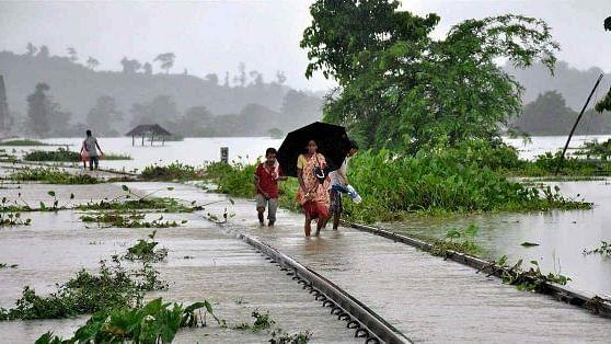 बिहार और असम में बाढ़ का कहर, अब तक 17 लोगों की गई जान, 15 लाख से ज्यादा लोग प्रभावित