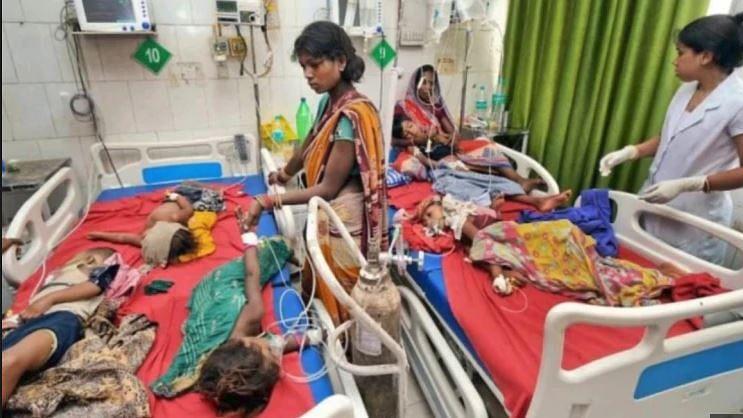 मासूमों की मौत से मोदी सरकार के आयुष्मान भारत की खुली पोल,  हेल्थ पर खर्च नहीं बढ़ा तो 'मुजफ्फरपुर' होता रहेगा