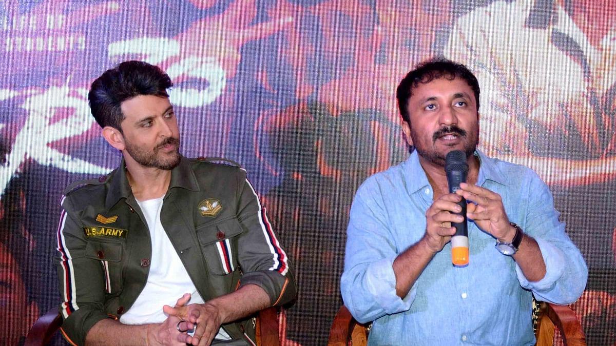 'सुपर 30' के 'आनंद' पहुंचे पटना,  असली आनंद कुमार का लिया आशीर्वाद
