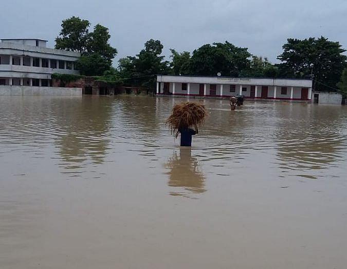 बिहार और असम से बाढ़ की भयावह तस्वीरें आई सामने, अब तक 26 लोगों की मौत, 45 लाख लोग प्राभवित