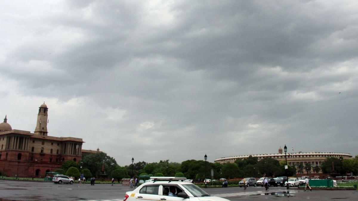 दिल्ली-एनसीआर के लोगों को गर्मी से जल्द मिल सकती है राहत, अगले 48 घंटों में हल्की बारिश की संभावना
