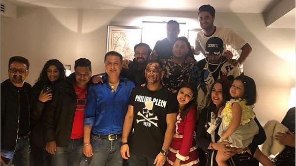 पत्नी और साथी खिलाड़ियों के साथ धोनी ने मनाया अपना 38वां जन्मदिन, आईसीसी ने भी की उपलब्धियों की तारीफ