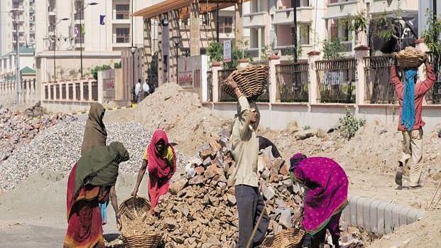 मोदी सरकार में  निर्माण मजदूरों की सामाजिक सुरक्षा खतरे में, लंबे संघर्ष के बाद हुई थी हासिल